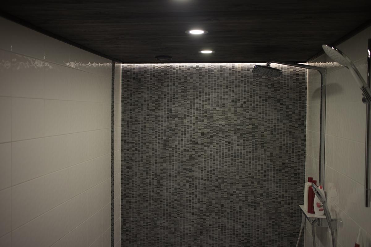 Sauna ja KPH – Vaihe 4 Saunan lauteet, valaistus