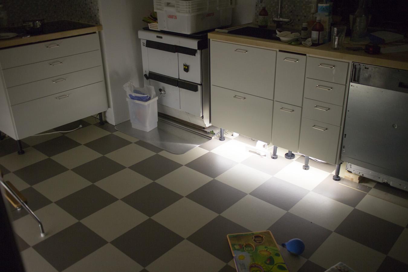 Keittiö – Vaihe 10 Valoa keittiöön! – Rintamamiestalon